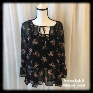 American Eagle Floral Blouse Medium